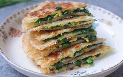 疫情期间,用最省事的方式做早餐,懒人千层韭菜饼5分钟出锅特好吃