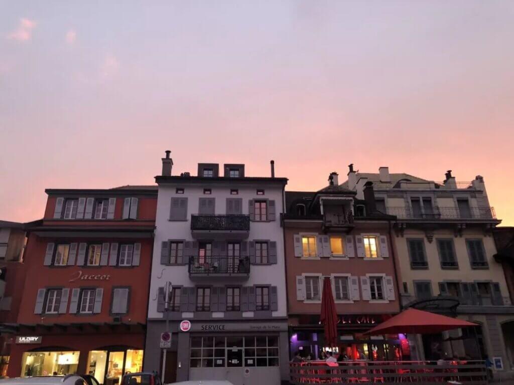 从瑞士穿越到法国小镇丨惬意和热情的随意转换